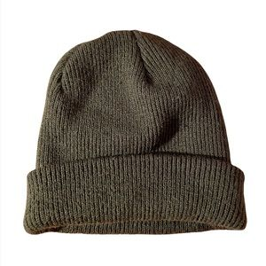 Urban Outfitters BDG Dark Olive Green Ribbed Thick Knit Cozy Winter Beanie Hat